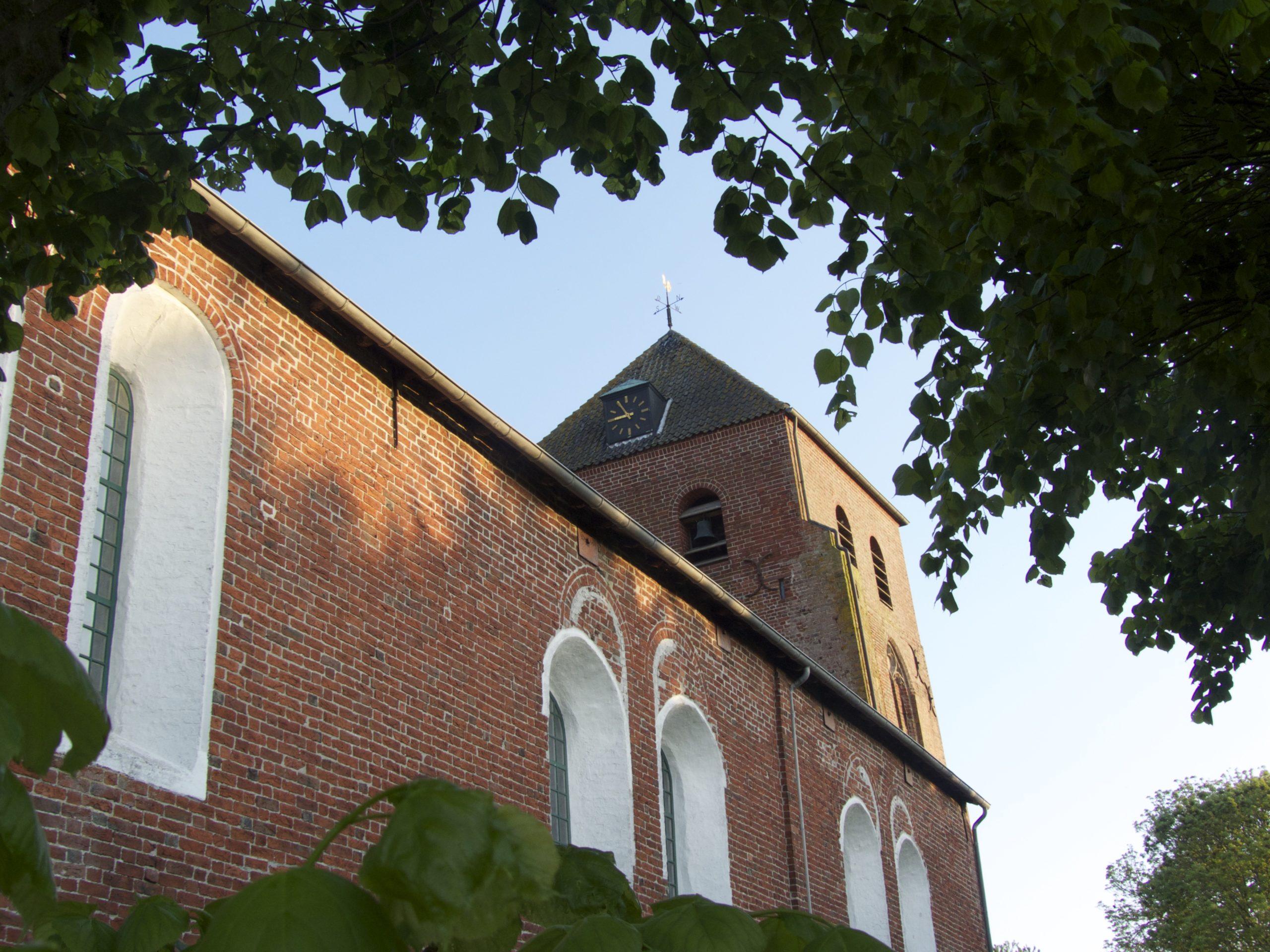 Uttumer Kirche